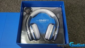 Test SMS Audio Over Ear Wired