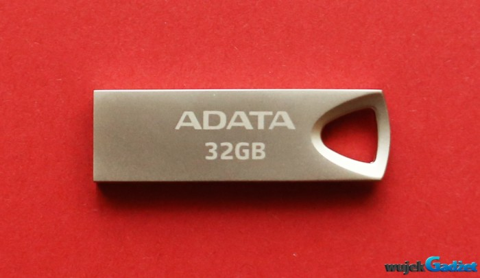 ADATA_UV210_USB_FLASH_DRIVE_32GB_2
