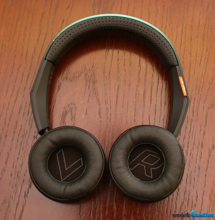 Plantronics_BacBeat_Fit_500_10