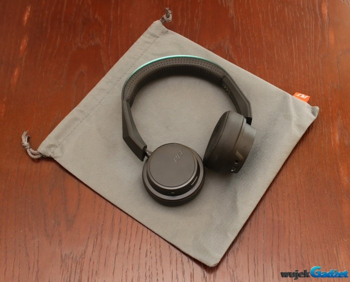 Plantronics_BacBeat_Fit_500_13