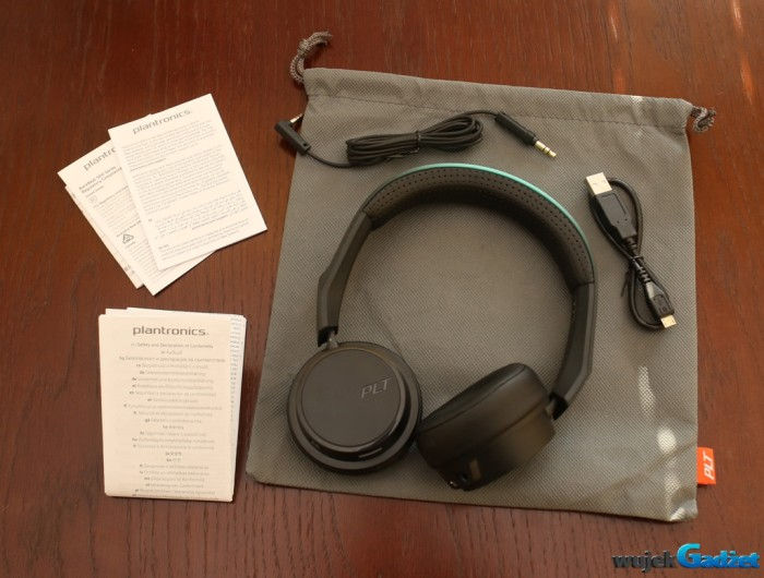 Plantronics_BacBeat_Fit_500_2