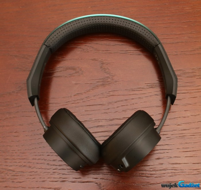 Plantronics_BacBeat_Fit_500_6