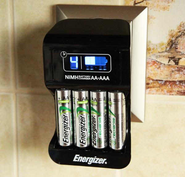 test akumulatork w i nowej adowarki energizer accu recharge intelligent chp42eu wujek gad et. Black Bedroom Furniture Sets. Home Design Ideas