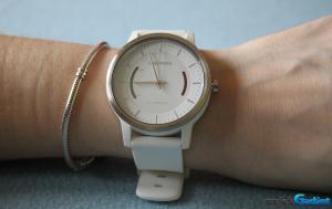 Analogowy zegarek z funkcją monitorowania aktywności – recenzja Garmin VIVOMOVE