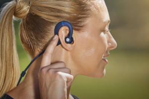 Denon utrzymuje Cię w formie – dzięki swoim nowym, nie plączącym się słuchawkom sportowym AH-C160W